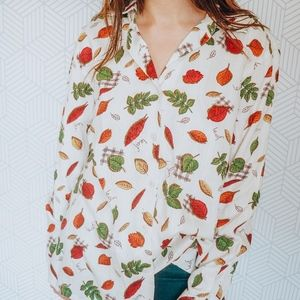 Fall print Button from Leaf Blouse Medium